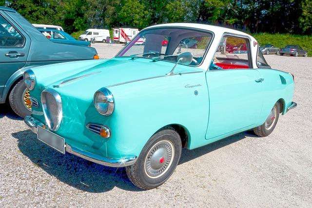 tyrkysové autíčko
