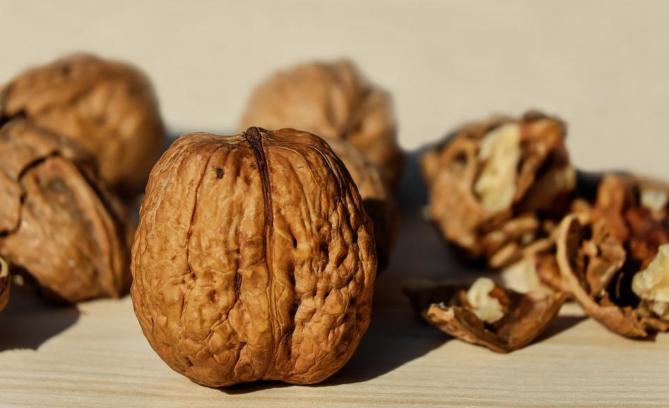 Čím je určována u produktu vlašské ořechy cena